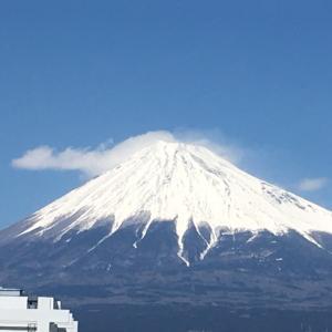 会社事務所から見える富士山景
