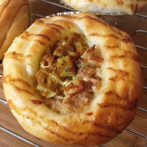 ツナマヨちくわパンとミニウインナーパン