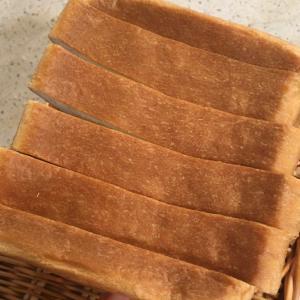 いつものふわふわ食パンと晩ご飯