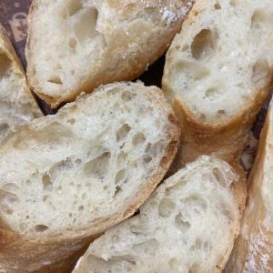加水80%のフランスパンとコロッケの晩ご飯