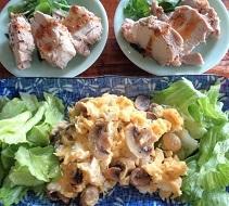 アダムスキー式実践中・・・豚ひれ肉のコンフィとマッシュルームいり卵、デザート付き