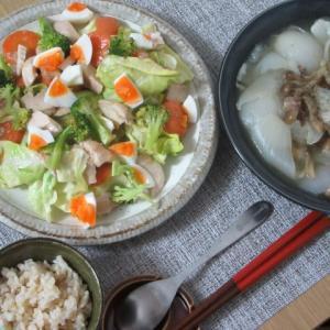 *おうちごはん*トロットロ新玉ねぎスープとあるもの野菜サラダ~5月2日~