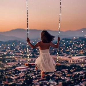 LINEする時、相手を想ってるの事か自分の寂しさからか