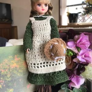 小さな帽子を編んだら…