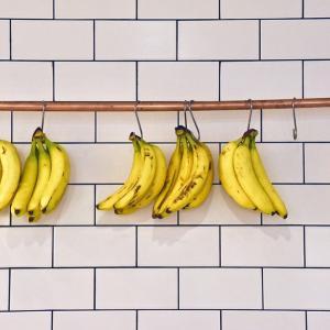 バナナ保存のコツ 夏場冷凍しないで1カ月近く?