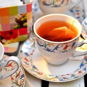 カフェインレスで体に優しいルイボスティーのおすすめアレンジ法