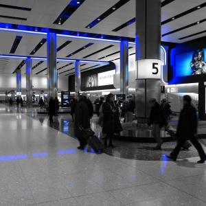空港で荷物をピックアップする場所は英語で何ていうんでしょうか?