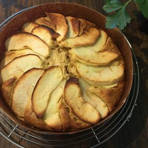 自然食ケーキ 簡単なアップルケーキレシピ 【膨張剤不使用】