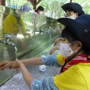 活動の合間にしっかり手洗い!【北海道第17団:札幌市北区】