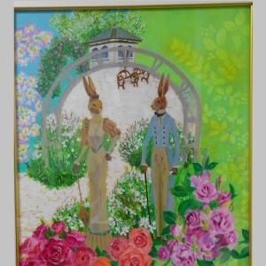 バラ園のウサギ