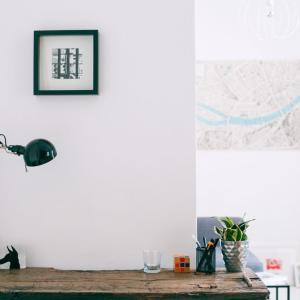 壁紙をリフォーム!素朴でナチュラルな【珪藻土】