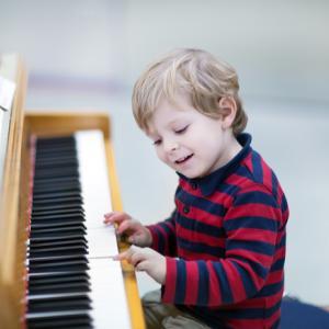 習い事のピアノの効果とは??4点紹介します。