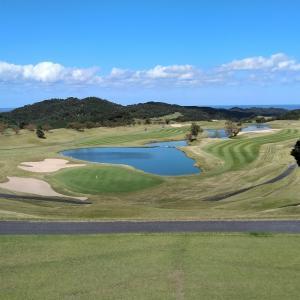 達人のラウンド報告:スコアはさておき、収穫大のゴルフに達人は秋晴れの空に嗤う。