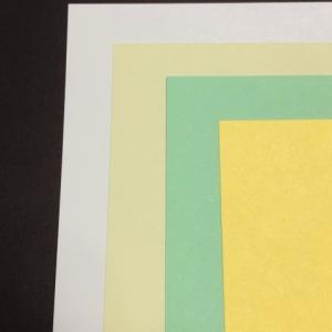 ダイソーは金色の画用紙もある!肌色、灰色の定番色もあるの?!