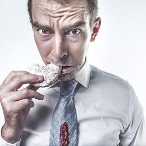 夜勤明けにご飯を食べないのに太ってしまう?痩せるためにはどうすればいい?