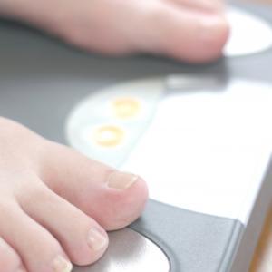 食べる量を減らしているのに痩せない。本当に食べていない?