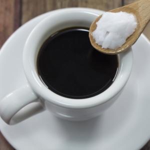 ココナッツオイルオイルコーヒーを飲み始めました。1ヶ月後はどうなっているか!