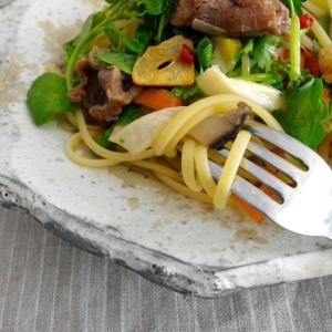 牛すじ肉と香り野菜のパスタ。