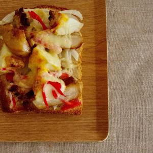 自家製焼き豚と味玉のチーズトーストで朝ごはん。