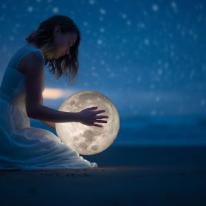 与える喜びを教えてくれる優しい満月でした
