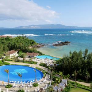 2021年3~4月沖縄旅行3日目②:ハレクラニ沖縄のオーキッドプール