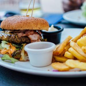 好きなものを食べて痩せる為に抑えるポイント