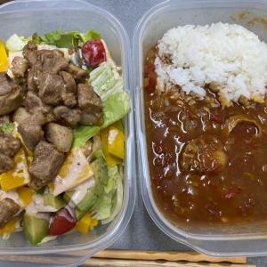 【お弁当】スパイシーポークサラダとシーフードカレー