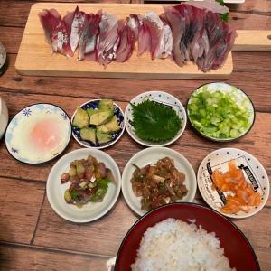 盛り付けが楽しい✨海鮮丼
