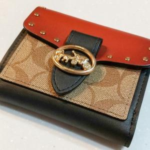 5年間苦楽を(主に苦を)共にした長財布からミニ財布に買い替えました。
