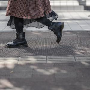【町中スナップ撮影】秋の足元はヒラヒラを狙って撮ろう!!