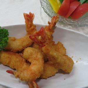 海老フライ パリッ ♪ 美味しいね。夕食 ♪