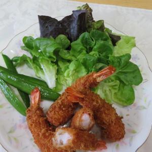 デカ海老(^^)  美味しいね。夕食♪