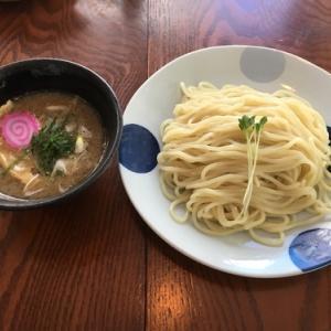 はちれんは沖縄県産の豚肉と鶏肉が生かされた美味しいスープのラーメン屋さん