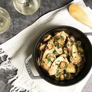 鶏肉のマルサラ(ヴィンサント)風味