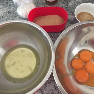 『ロールケーキを作ってみた』by嫁