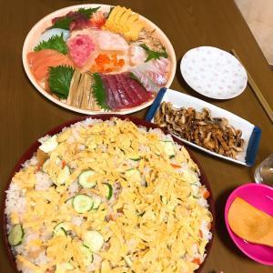 今日はちらし寿司の日