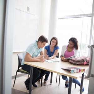 【カナダ留学Blog】英会話力0から英語環境で働くまでの道のり〜学校編〜【第7回】