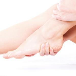 足底筋膜炎に踵だけのインソールは有効なの?衝撃吸収とアーチサポートは十分?