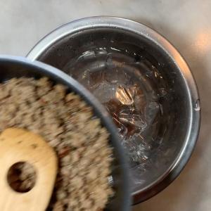パンに合うひと品!簡単レシピ〜豚ひき肉のリエットの作り方〜