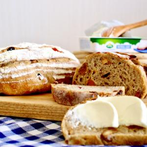 手ごねいらずのパン作り〜こねないカンパーニュ ドライフルーツ&ナッツ 簡単レシピ〜