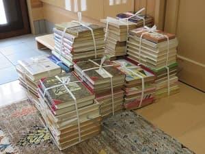 実家の片付け、今回は本だなとその周辺(ゴミ袋3つ分)