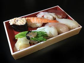 ワンカップと寿司、、、