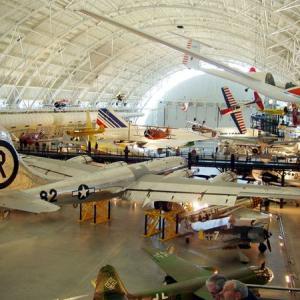 広島に原爆を落とした戦闘機「エノラ・ゲイ」を、この目で見たときのこと。
