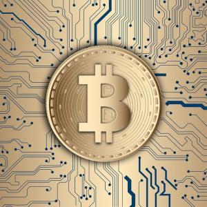 はじめての仮想通貨記事〜初心者おっさんの僕が震えながら手にしたビットコイン