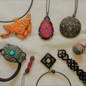 アイヌコタンのお土産が可愛いよ!おすすめ木彫りアクセやアイヌ刺繍。