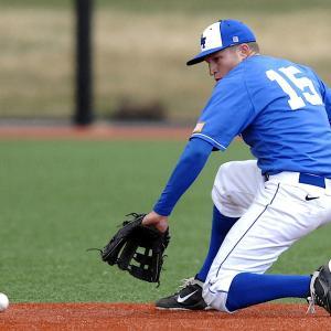 少年野球向け逆シングル/簡単に捕球できる3つのポイントと練習法