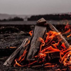 UNIFLAME「ファイアグリル」を徹底レビュー!ソロからファミリーまで人気の焚き火台!