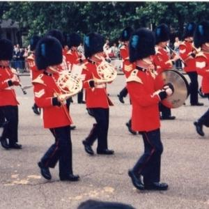 バッキンガム宮殿の衛兵交代式を30年前に見ました