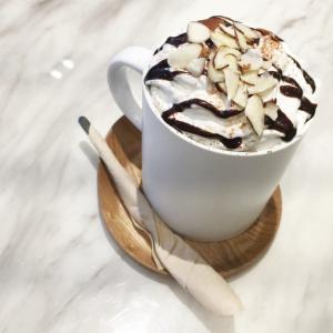 カフェモカとは?カフェラテやカフェオレと違い、スタバなどのチェーン店の比較