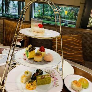 【レストラン】アフタヌーンティー:春らしい食器が可愛い!マンダリンオリエンタルホテル CELEST THOI×Noritake